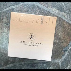 Anastasia Beverly Hills Makeup - 🛍 BRANDNEW ABH Glow Kit-Sundipped💕